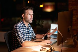 Trabajador en turno rotativo de noche